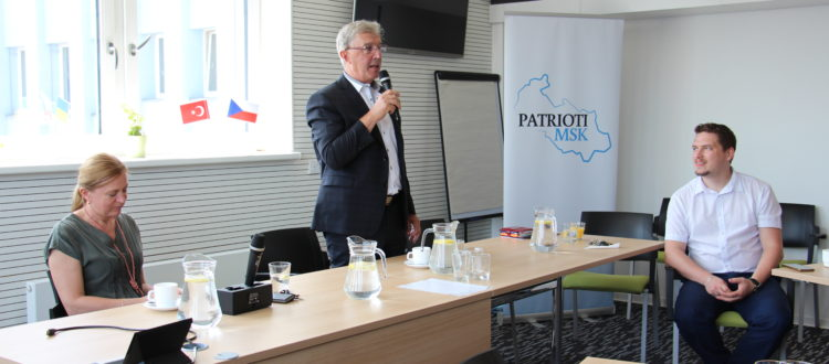 Exkurze ve Ferritu: Podnikatel roku 2018 MSK Pavel Mohelník při diskuzi s Patrioty MSK